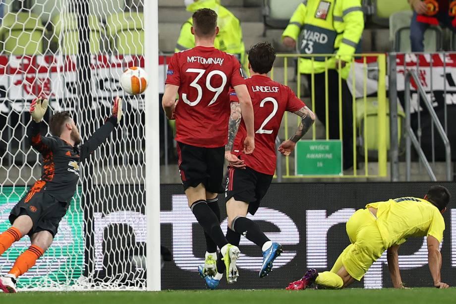 Gerard Moreno marca pelo Villareal contra o Manchester United na final da Europa League -