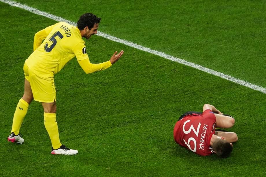 Daniel Parejo, do Villareal, e Scott McTominay, do Manchester United, durante a final da Europa League -