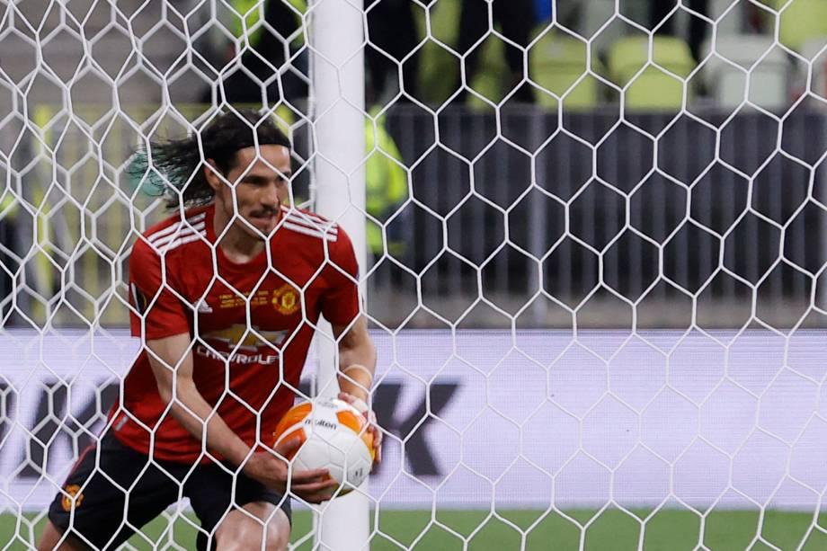 Cavani após marcar o gol de empate do Manchester United contra o Villareal -