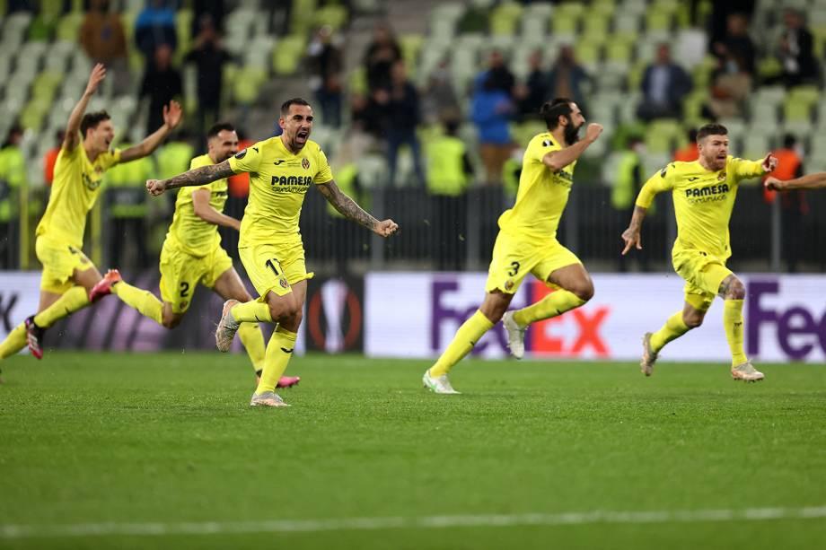 Jogadores do Villareal comemoram o título da Europa League sobre o Manchester United -