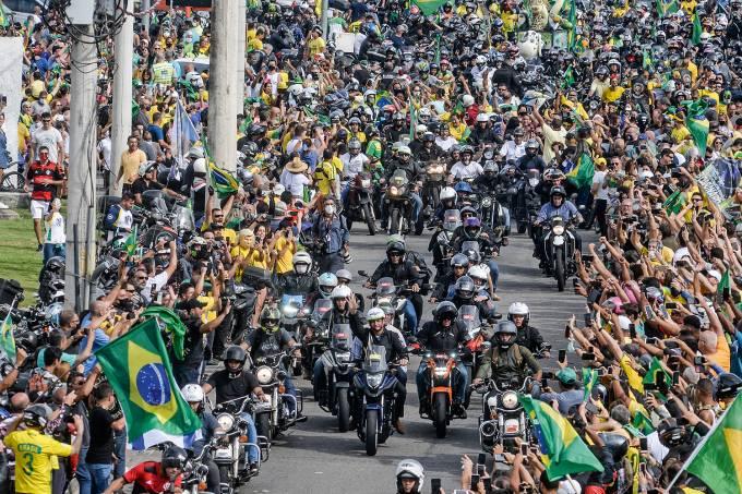 Bolsonaro Participa De Motociata No Rio De Janeiro