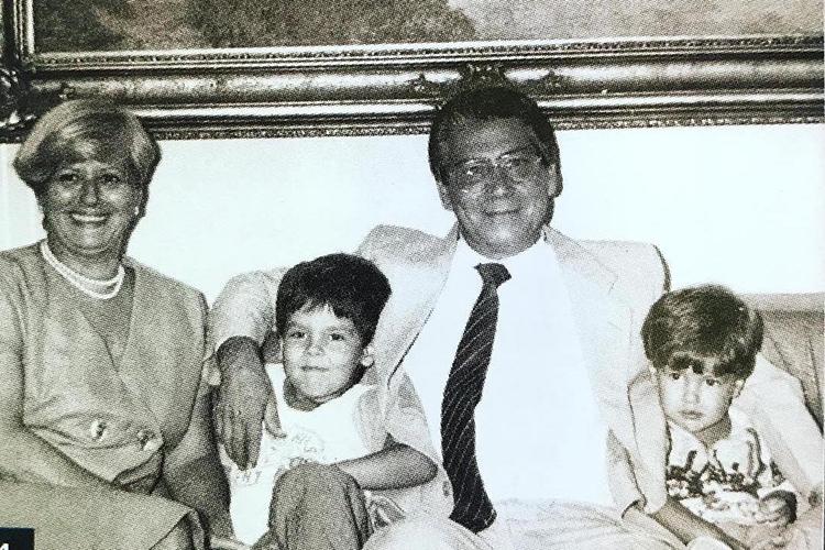Bruno Covas ao lado da família, em 1985 -