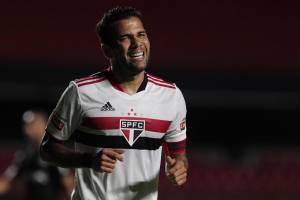 Daniel Alves pode ressurgir na seleção -