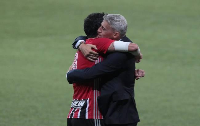 Crespo e Pablo comemoram vitória do São Paulo no Paulista -