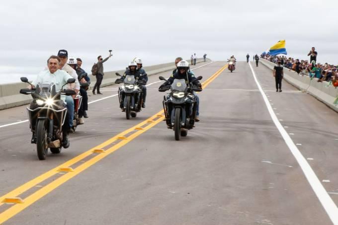 Bolsonaro com motociclistas