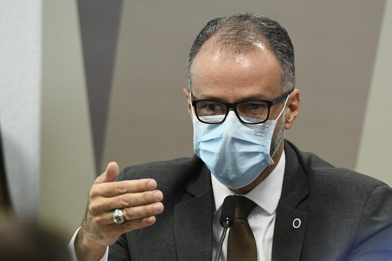 O presidente da Anvisa, Antonio Barra Torres durante a CPI da Covid, em Brasília -