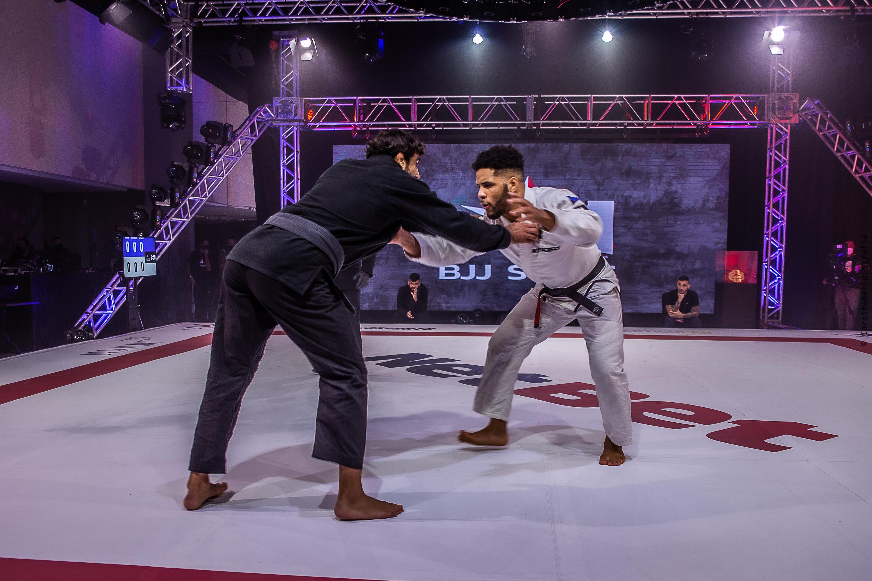 Foto de dois lutadores de Jiu Jitsu