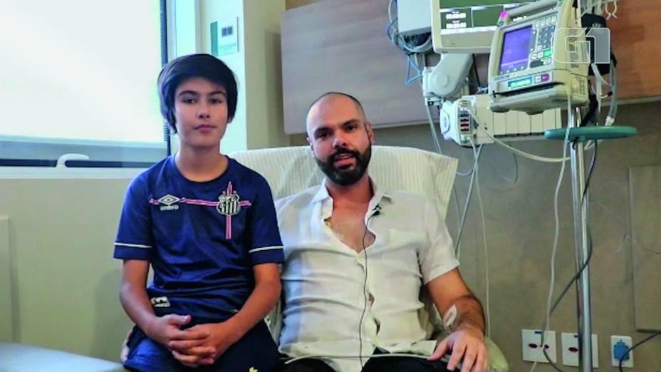 Bruno Covas, com filho no hospital, enquanto passava pela 1ª quimioterapia -
