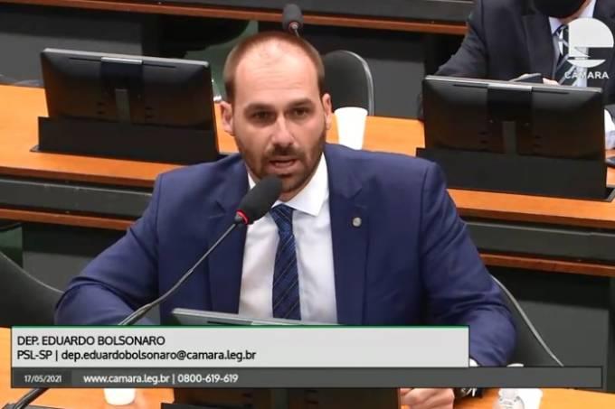 O deputado federal Eduardo Bolsonaro fala durante a reunião da comissão do voto impresso na Câmara – 17/05/2021