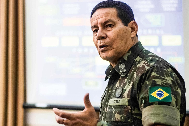 PUNIÇÃO LEVE -General Hamilton Mourão: em 2015, ainda na ativa, fez críticas pesadas ao governo de Dilma Rousseff -