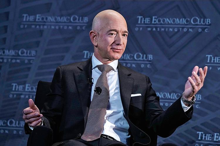 IMPOSTOS -Bilionários na mira: Bezos, da Amazon, diz que apoia o aumento -
