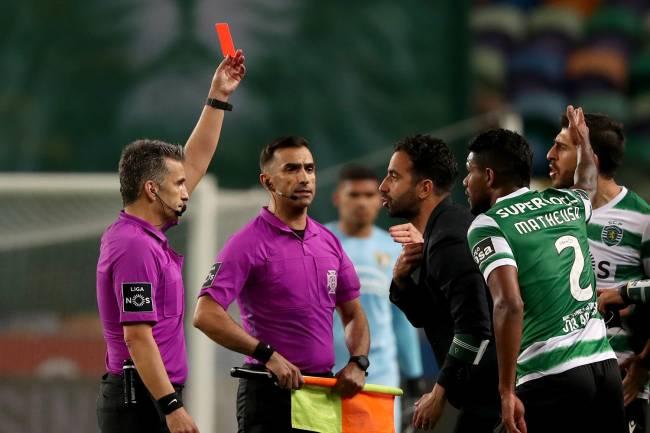 Amorim em polêmica expulsão durante partida contra o Porto -