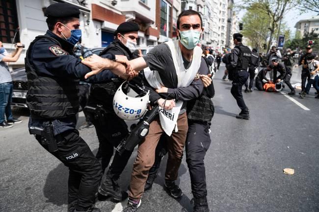Dia do Trabalhador: manifestante é detido em Istambul, na Turquia