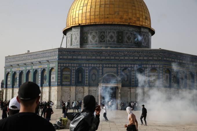 Israeli police intervene in Palestinians at Masjid al-Aqsa Compound