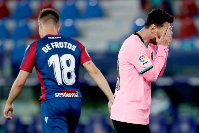 Lionel Messi lamenta gol do Levante