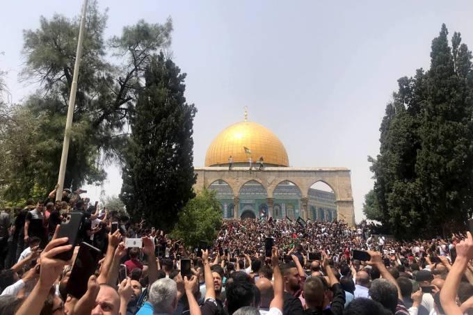 Confusão durante reza na Mesquita de Al Aqsa, em Jerusalém