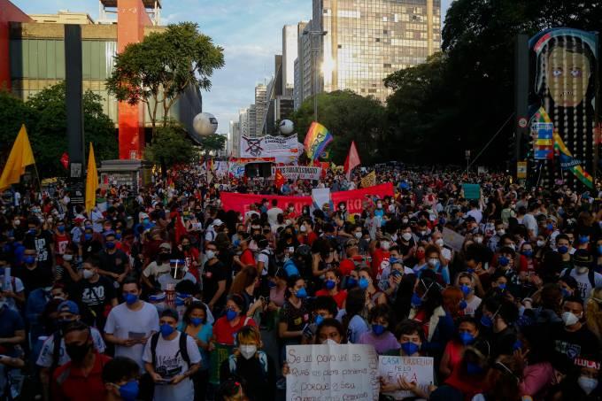 Protesto contra Bolsonaro lotou a Avenida Paulista em São Paulo