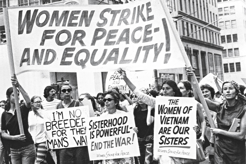 PASSEATA -Protesto por paz e igualdade em 1970 em Nova York: era de conquistas -