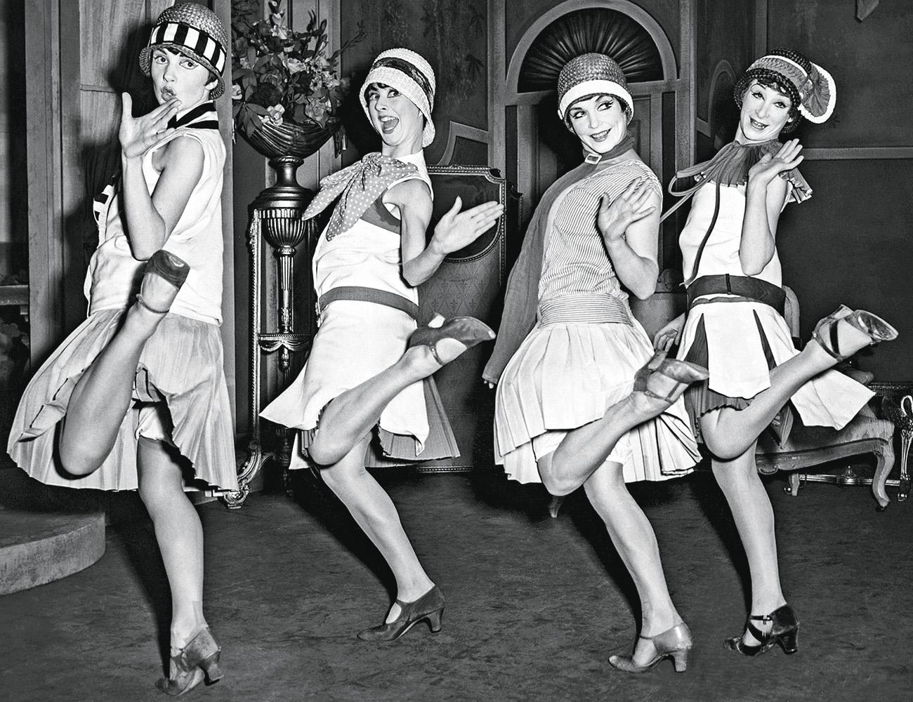 EUFORIA -Dançarinas nos anos 1920: prosperidade depois do flagelo da gripe espanhola -