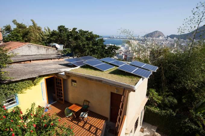 Estrelas da Babilonia eco-guesthouse & bar at the top of