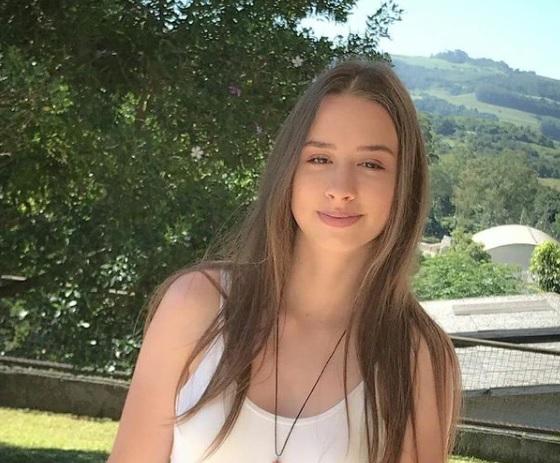 Mirla Renner, de 20 anos, foi morta no ataque do jovem de 18 anos à creche