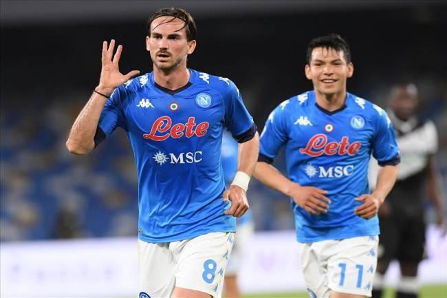 Fabián Ruiz e Lozano comemoram gol pelo Napoli