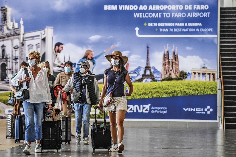 VIVA O SOL -Aeroporto de Faro, em Portugal: os turistas são bem-vindos -