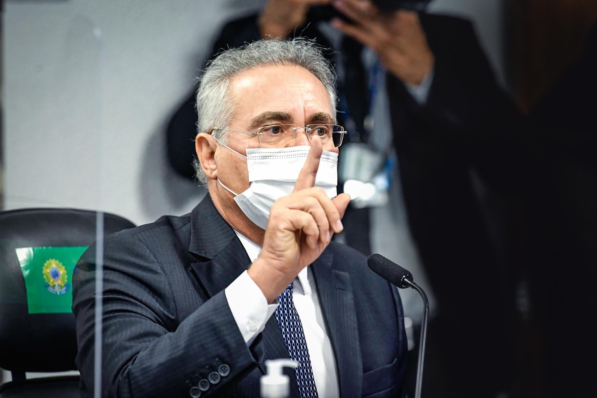 RENAN CALHEIROS, ao responder se pretende incluir o capitão em seu relatório final da CPI da Covid -