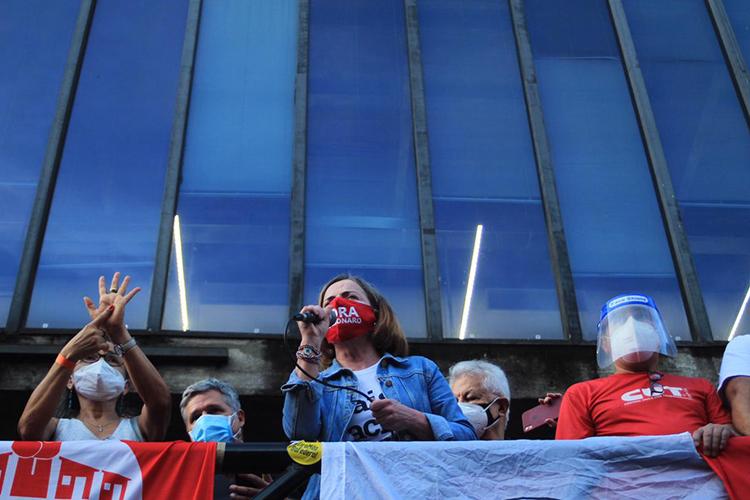 Gleisi Hoffmann, presidente nacional do PT, durante manifestação contra Jair Bolsonaro, em São Paulo -