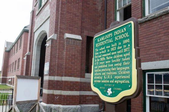 escola indígena no Canadá