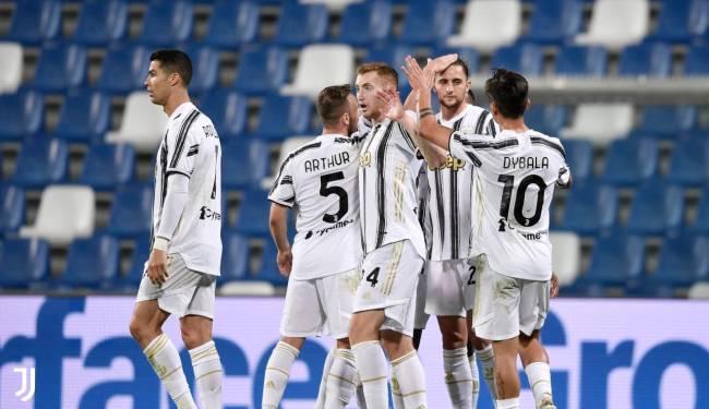 Jogadores da Juventus comemoram gol