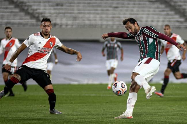 Nenê, do Fluminense, marcou o segundo gol da equipe diante do River Plate -