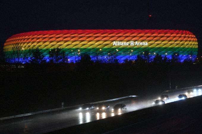 Allianz Arena illuminated in the rainbow colours
