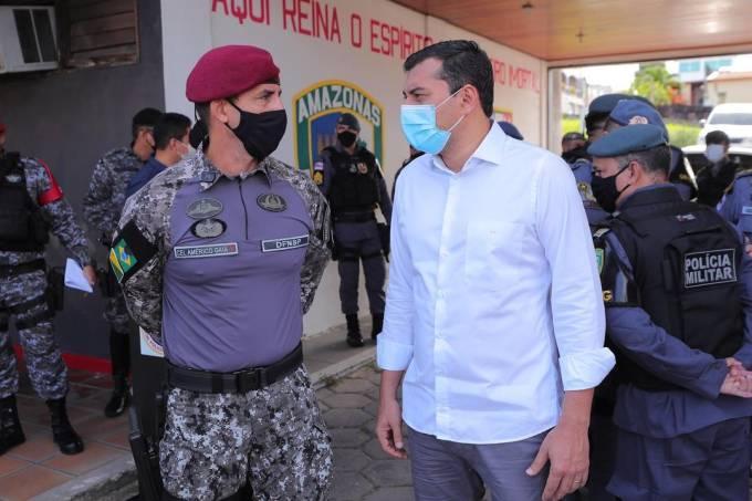 O governador do Amazonas, Wilson Lima, acompanha  início da operação Mão de Ferro, executada por tropas da Polícia Militar e Força Nacional, em Manaus