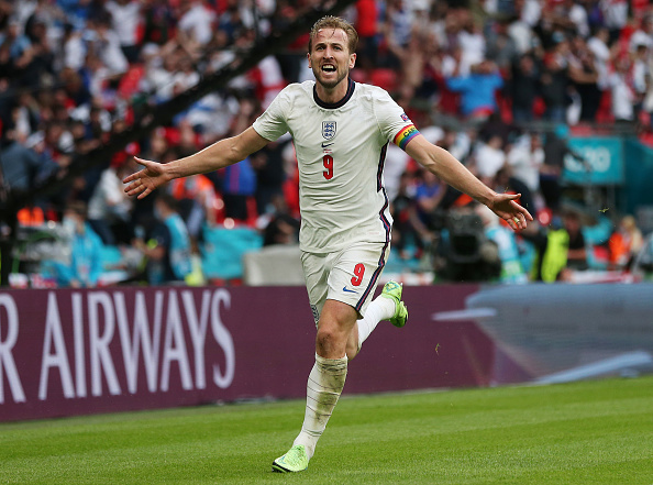 Harry Kane comemora gol