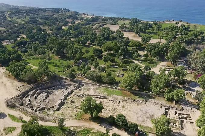 ABRE-The-basilica-in-Tel-Ashkelon-National-Park-aerial-view.-Photo-by-Emil-Aladjem-Israel-Antiquities-Authority..jpg