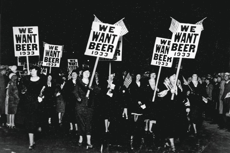 LEI SECA -Americanas contra a proibição em 1932: direito cerceado -