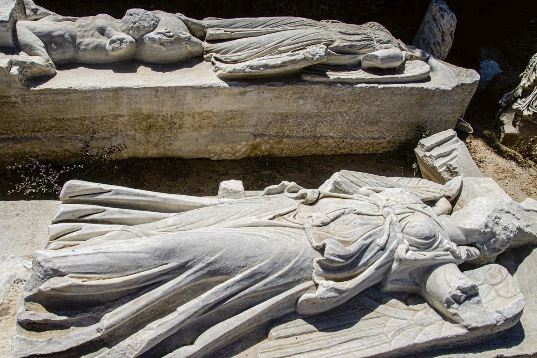 PAX ROMANA -Estátuas das deusas Nice e Tique: convivendo com o inimigo -