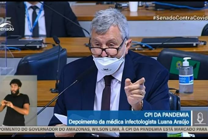 O senador Luis Carlos Heinze, durante depoimento na CPI da Pandemia