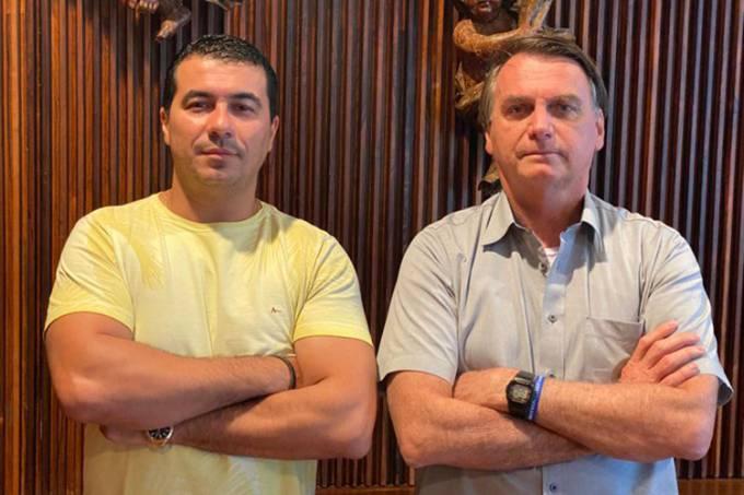 O deputado federal Luis Miranda (DEM) com Jair Bolsonaro (sem partido) –