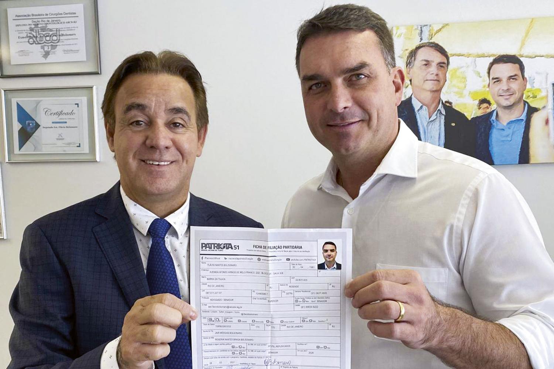ARTICULADOR -Flávio e Adilson Barroso, do Patriota: preparando o terreno para o ingresso do pai na legenda -