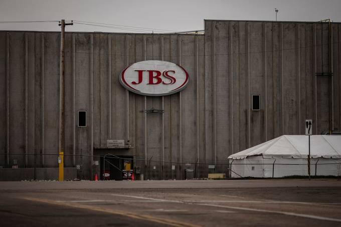 JBS Meatpacking plant employee recovers from Coronavirus