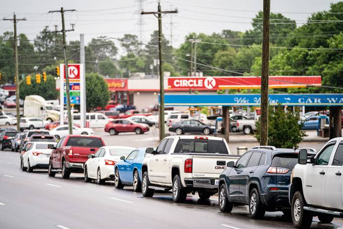 Biden Administration Issues Fuel Waiver For Multiple States To Ease Gas Shortage