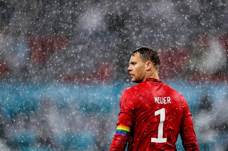 Goleiro Neuer, da Alemanha, na partida contra Portugal