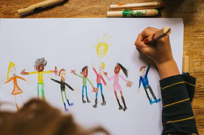Child drawing Figures