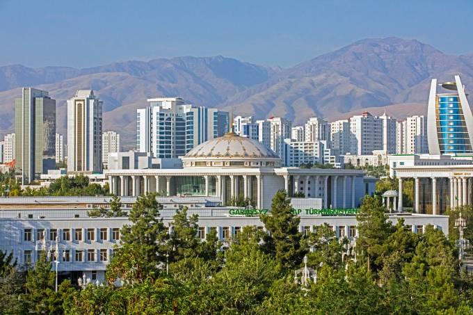 Skyline da cidade de Asgabate