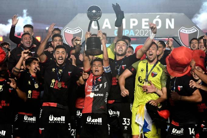 Racing Club v Colon – Copa de la Liga Profesional 2021: Final