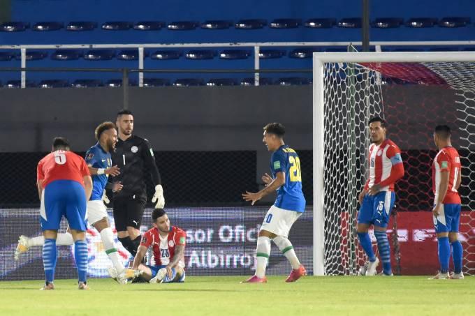Neymar marcou o primeiro gol do Brasil em Assunção