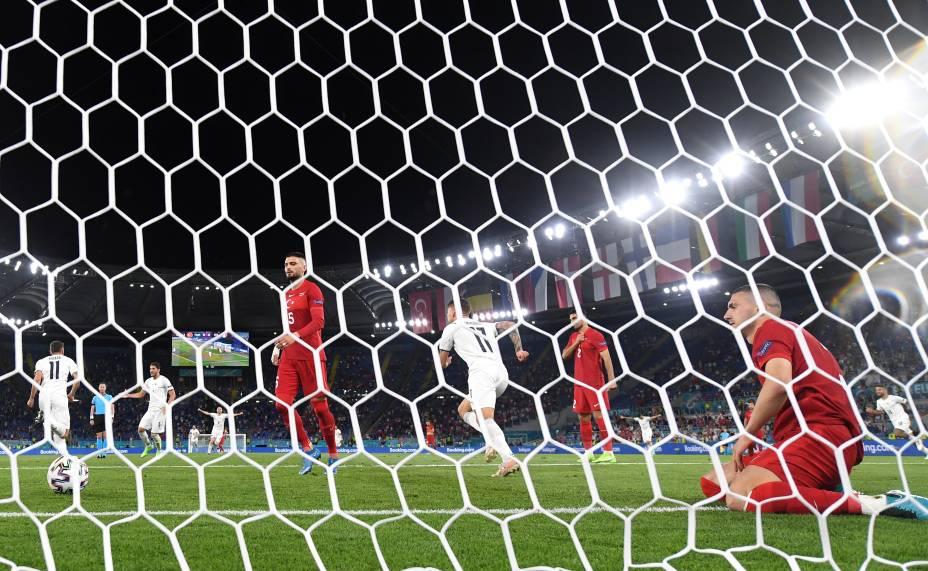 Turco Merih Demiral marcou, contra, o primeiro gol da Euro 2021