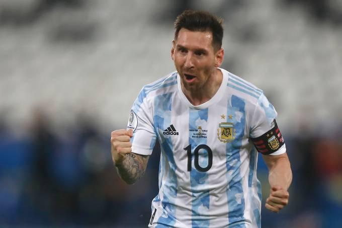 Lionel Messi comemora gol da Argentina contra o Chile no Engenhão